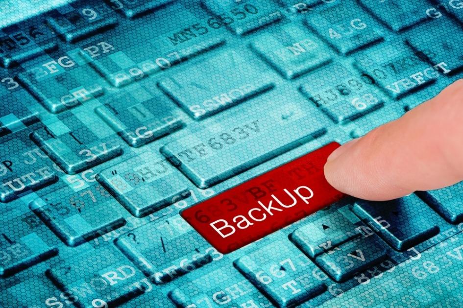 Blauw toetsenbord met rode backuptoets